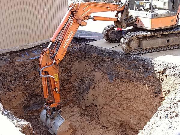 古民家再生プロジェクト進行中5 – 浄化槽工事